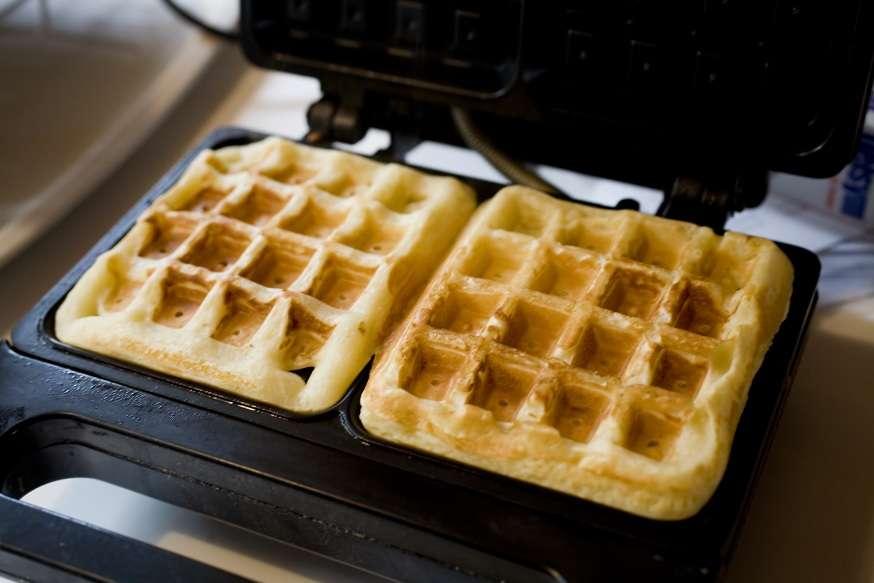making belgian waffles