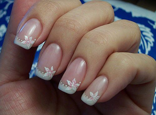French Manicure Nail Art | Globerove