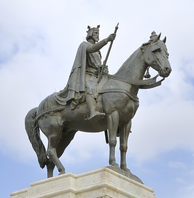 Ferdinand 3 statue