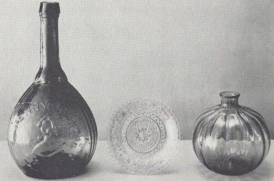 Modern Lacy Plate, Mecan bottle